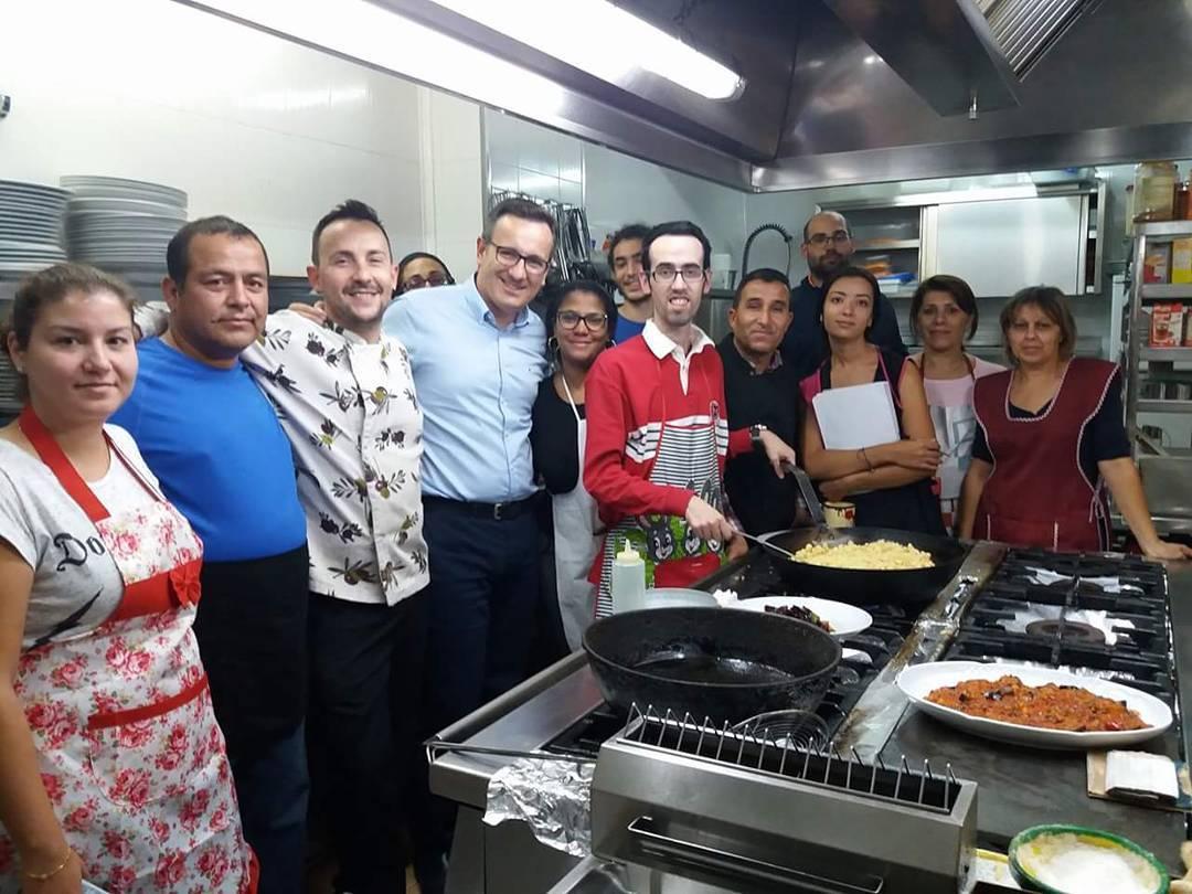 Los bartolos curso formaci n ayudante de cocina y camarero - Curso de ayudante de cocina ...